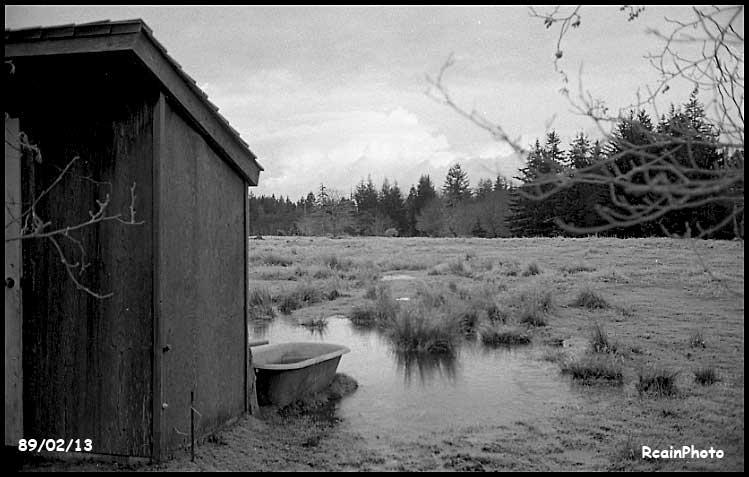 890213-bathtub