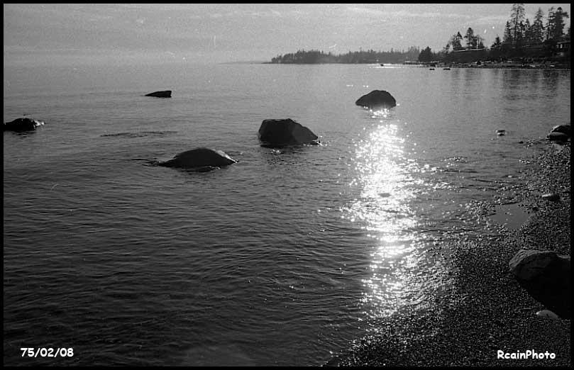 750208-beach-rocks