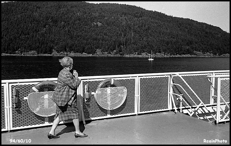 946010-ferry